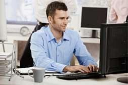 С капсулами Oculax можно работать целый день на компьютере без ухудшения зрения.